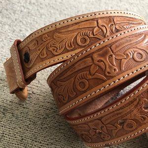 Vintage leather hand tooled belt south western M/L
